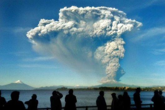 <p>Chile: el volc&aacute;n Calbuco disminuy&oacute; su actividad, pero no descartan nuevas erupciones</p>