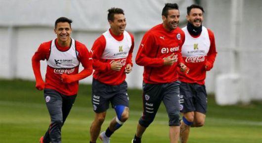 <p>Arranca Chile2015 con argentinos protagonistas: DT's y amenaza barrabrava</p>
