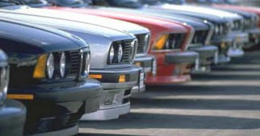 <p>Siguen los pasos de una banda que vende autos robados</p>