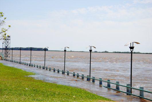 <p>Baja su nivel el Uruguay pero comienza la creciente del Paran&aacute;</p>