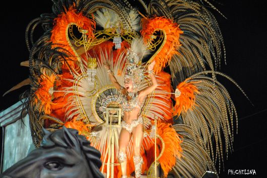 <p>Andrea Alonso reina del Carnaval Artesanal de pa&iacute;s</p>