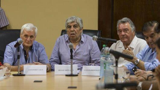 <p>Moyano, Cal&oacute; y Barrionuevo unen sus reclamos por Ganancias</p>