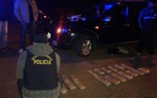 Secuestraron 27 panes de marihuana en un auto proveniente de Itatí