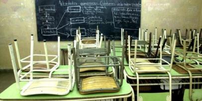 <p>El retorno a clases no ser&aacute; para todos: De 17 provincias, 5 van a paro&nbsp;</p>