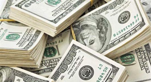 <p>El d&oacute;lar subi&oacute; seis centavos a $ 15,80</p>