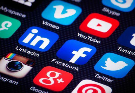 <p>Facebook, Twitter y YouTube contra el terrorismo</p>