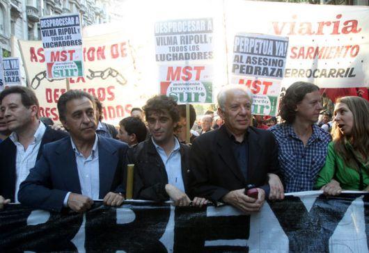 <p>El Socialismo vota por el desafuero de De Vido</p>