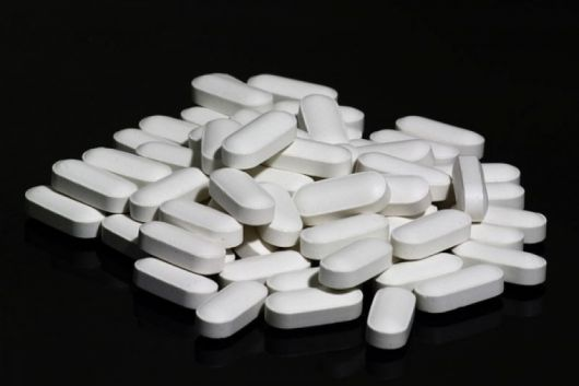 <p>Consumo de ibuprofeno y paracetamol en exceso</p>