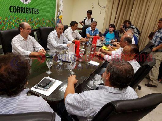 <p>La Provincia ofreci&oacute; blanqueo de $950 para los docentes</p>