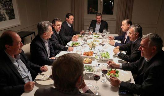 <p>El Gobernador en cumbre con Macri &nbsp;</p>