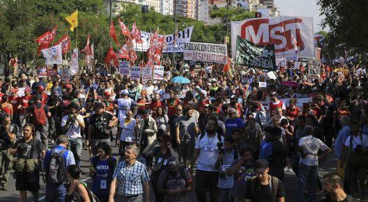 <p>Se recalienta la calle: Habrá marchas y piquetes todos los jueves</p>