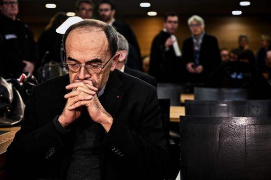 Francia: condenaron a un cardenal por encubrir a un cura abusador