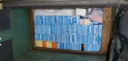 <p>Monte Caseros: Secuestraron más de 400 celulares escondidos en el doble fondo de un colectivo</p>