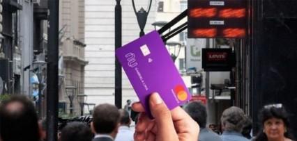 """<p>Llega un gigante para competirle a Mercado Libre: dará créditos baratos y tarjetas de crédito """"para todos y todas""""</"""