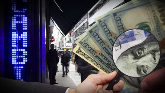 <p>En tiempos de cepo, blue, arbolitos y cuevas, lo mejor es saber cómo detectar si un dólar es verdadero o falso</p>