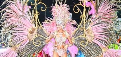 <p>La reina del Carnaval Artesanal del País 2020 es Julia Carlino de Orfeo</p>