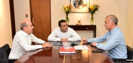 """<p>Canteros se reunió con el gobernador Herrera Ahuad para """"retomar la agenda de integración regional""""</p>"""