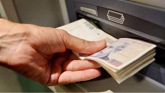 <p>Los bancos no abrirán la semana que viene¿qué pasará con los cajeros automáticos y el home banking?</p>