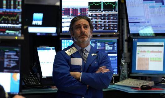 <p>El dólar se devalúa en la última rueda antes de la cuarentena en Wall Street</p>
