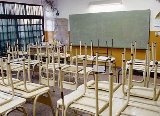 """<p>Suspenden calificaciones en todo el país y analizan sistema """"dual"""" para volver a las aulas</p>"""