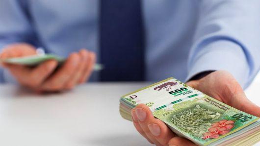 <p>Llega el pago del medio aguinaldo: te contamos cuándo se cobra y cómo se calcula</p>