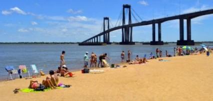 <p>Habilitarán las playas y extiendenhorario para bares</p>