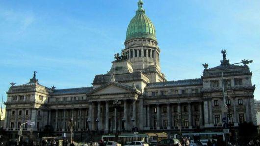 """Arroyo: """"El 15% del aporte a las grandes fortunas será destinado a urbanizar villas"""""""