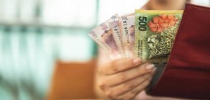 <p>Ahorro: cuánta plata tendrías si hubieses invertido $10.000 a inicios de año en dólar, plazo fijo o acciones</p>