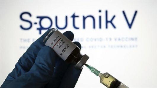 Vacunados con Sputnik V: En el medio de la pelea, ¿no podrán viajar?