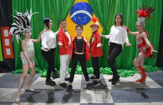 El Carnaval Artesanal del País representado en Río de Janeiro