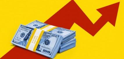 """<p>Por qué para expertos no es """"grave"""" que el dólar blue vuelva al récord de $195 pero sí que persista la brecha"""